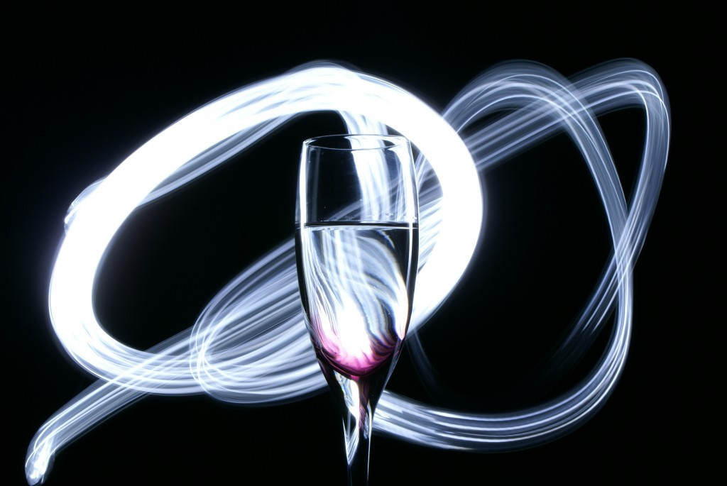 GLOWING LIGHT CHAMPAGNE FLUTE